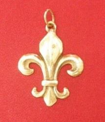 Pendentif médaillon Fleur de Lys découpée bronze